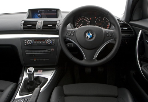 bmw 116i hatchback e87 ii 2 0 122km 2009. Black Bedroom Furniture Sets. Home Design Ideas