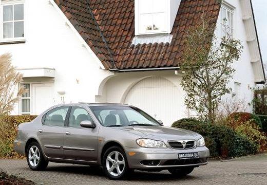 NISSAN Maxima sedan silver grey przedni prawy
