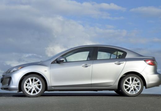 MAZDA 3 IV sedan silver grey boczny lewy
