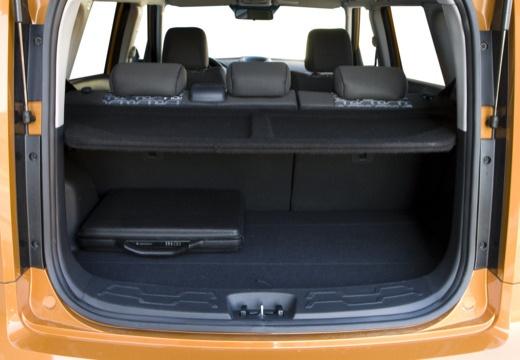 KIA Soul I hatchback pomarańczowy przestrzeń załadunkowa