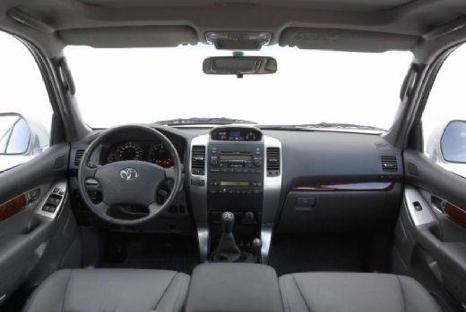 Toyota Land Cruiser 120 kombi tablica rozdzielcza