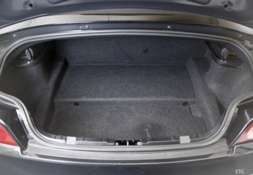 BMW Z4 E85 I roadster przestrzeń załadunkowa