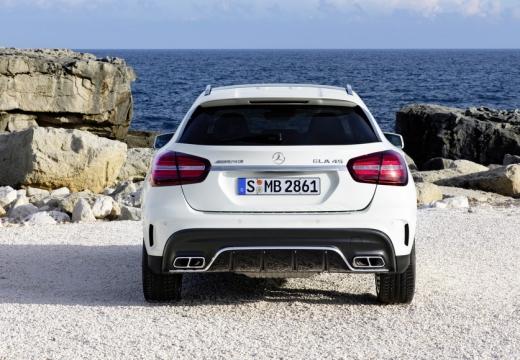 MERCEDES-BENZ Klasa GLA GLA 156 hatchback biały tylny