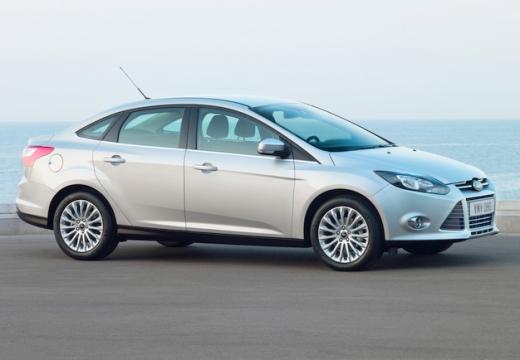 FORD Focus V sedan silver grey przedni prawy