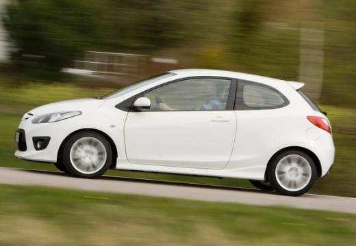 MAZDA 2 II hatchback biały boczny lewy