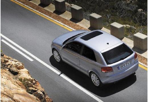 AUDI A3 8P II hatchback silver grey tylny lewy