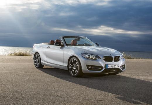 BMW Seria 2 kabriolet silver grey przedni prawy