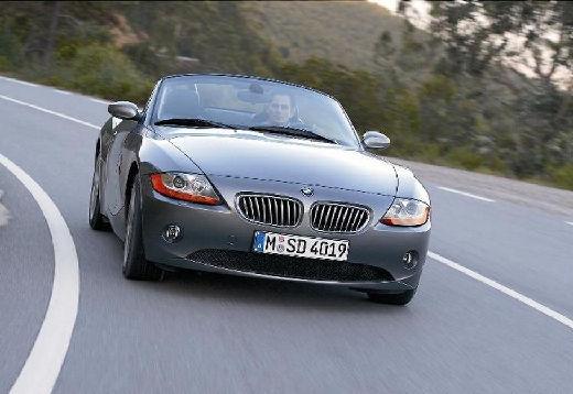 BMW Z4 roadster szary ciemny przedni prawy