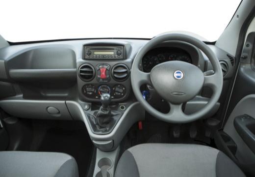 FIAT Doblo II kombi biały tablica rozdzielcza
