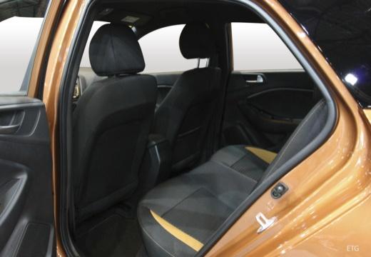 HYUNDAI i20 Active I hatchback wnętrze