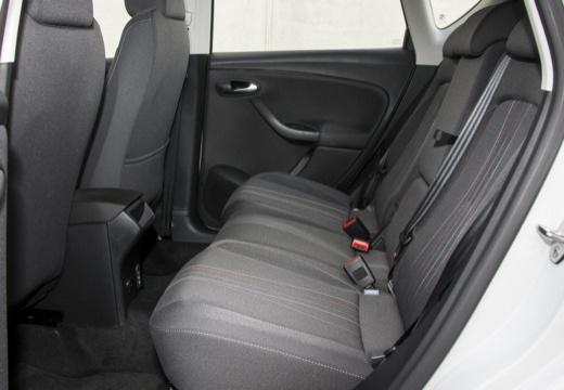 SEAT Altea II hatchback biały wnętrze