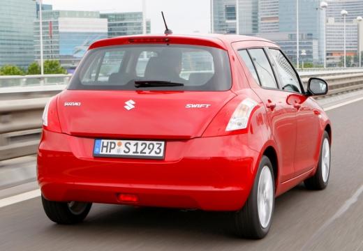 SUZUKI Swift hatchback czerwony jasny tylny prawy