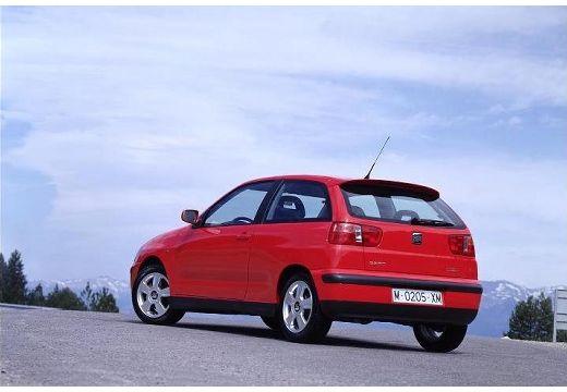 SEAT Ibiza III hatchback czerwony jasny tylny lewy