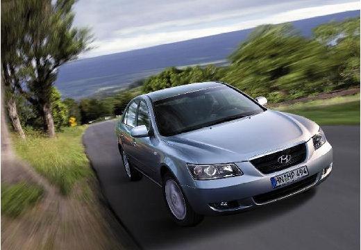 HYUNDAI Sonata VI sedan silver grey przedni prawy