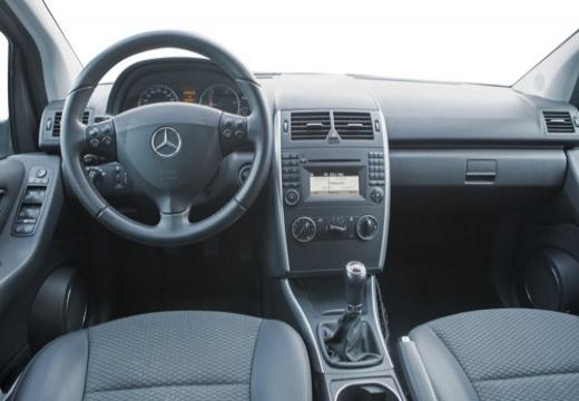 MERCEDES-BENZ Klasa A W 169 II hatchback szary ciemny tablica rozdzielcza