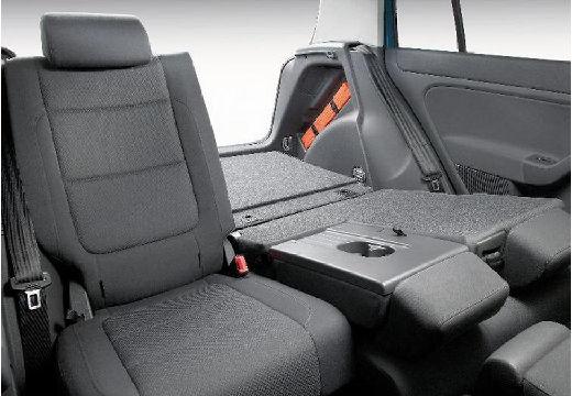 VOLKSWAGEN Golf V Plus hatchback wnętrze