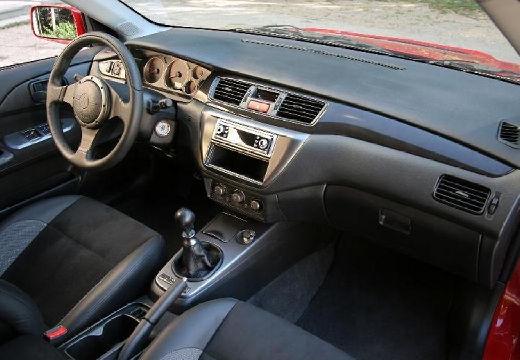 MITSUBISHI Lancer V sedan czerwony jasny tablica rozdzielcza