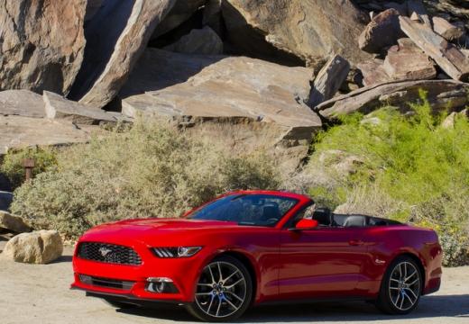 FORD Mustang kabriolet czerwony jasny przedni lewy