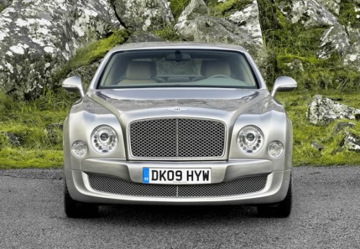 BENTLEY Mulsanne sedan silver grey przedni