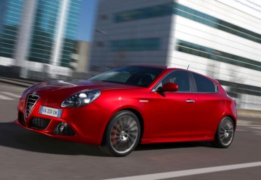 ALFA ROMEO Giulietta I hatchback czerwony jasny przedni lewy
