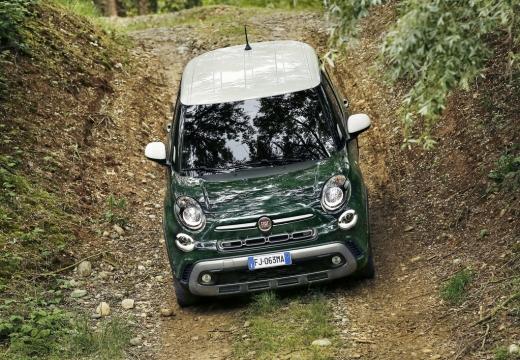 FIAT 500 L II hatchback zielony przedni