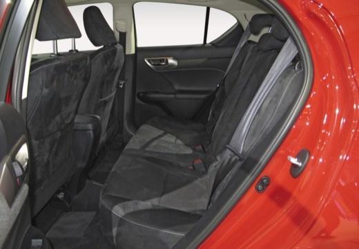 LEXUS CT II hatchback wnętrze