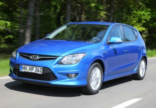 HYUNDAI i30 II hatchback niebieski jasny przedni lewy