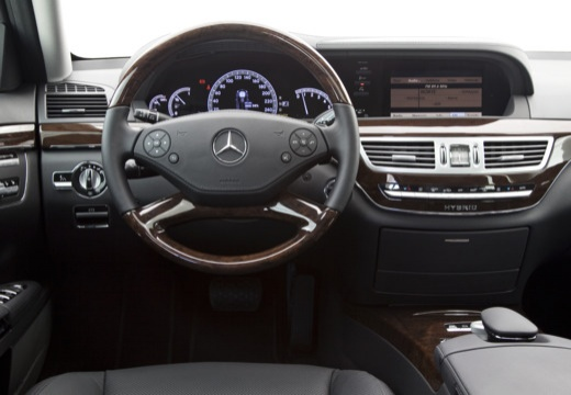 MERCEDES-BENZ Klasa S W 221 II sedan silver grey tablica rozdzielcza