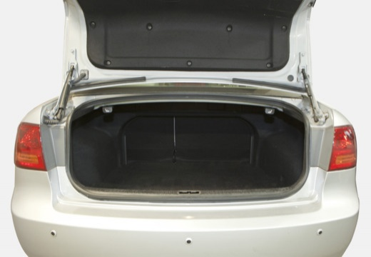 KIA Magentis III sedan przestrzeń załadunkowa