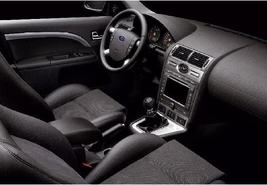 FORD Mondeo V hatchback tablica rozdzielcza