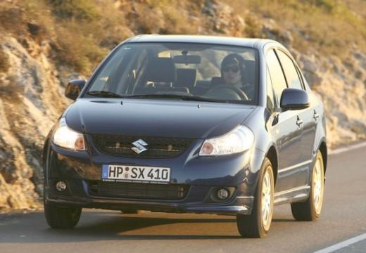 SUZUKI SX4 sedan niebieski jasny przedni prawy