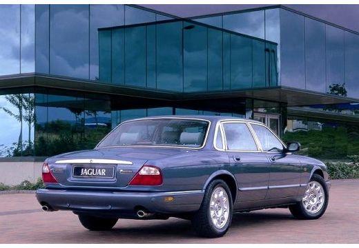 JAGUAR XJ III sedan niebieski jasny tylny prawy