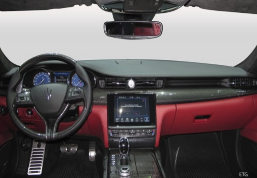 MASERATI Quattroporte V sedan tablica rozdzielcza