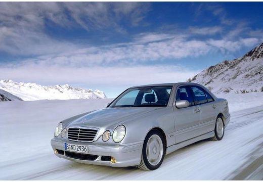 MERCEDES-BENZ Klasa E W 210 II sedan silver grey przedni lewy