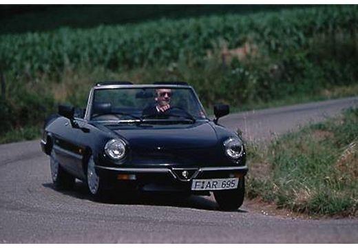 ALFA ROMEO Spider kabriolet czarny przedni prawy