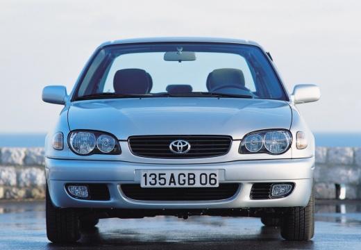 Toyota Corolla V sedan silver grey przedni