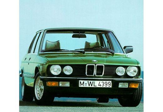 BMW Seria 5 E28 sedan zielony przedni prawy