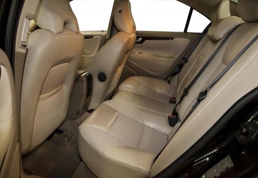 VOLVO S60 II sedan czarny wnętrze