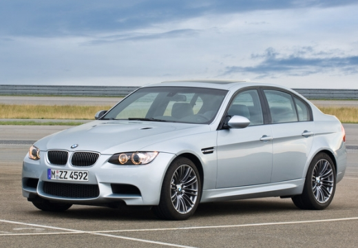 BMW M3 Sedan E90 II 4.0 420KM (benzyna)