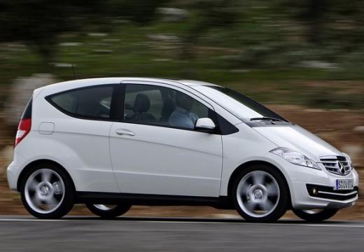 MERCEDES-BENZ Klasa A W 169 II hatchback biały przedni prawy