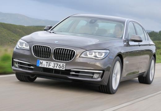 BMW 730Ld Sedan F01 F02 II 3.0 258KM (diesel)