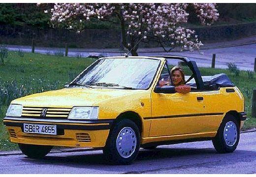 PEUGEOT 205 kabriolet żółty przedni lewy