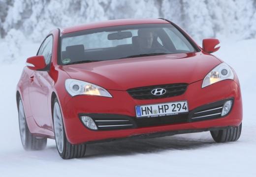 HYUNDAI Genesis I coupe czerwony jasny przedni prawy