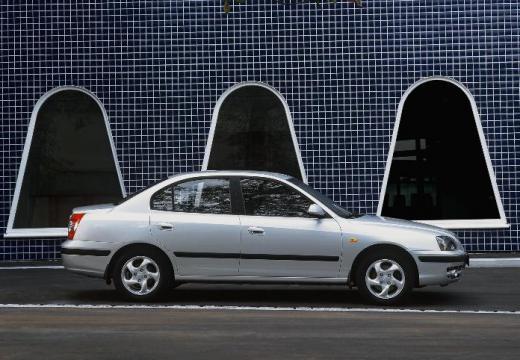 HYUNDAI Elantra II sedan silver grey boczny prawy