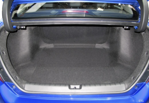 HONDA Civic sedan przestrzeń załadunkowa