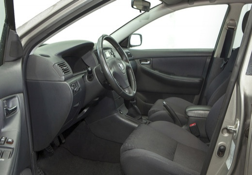 Toyota Corolla VI hatchback silver grey wnętrze