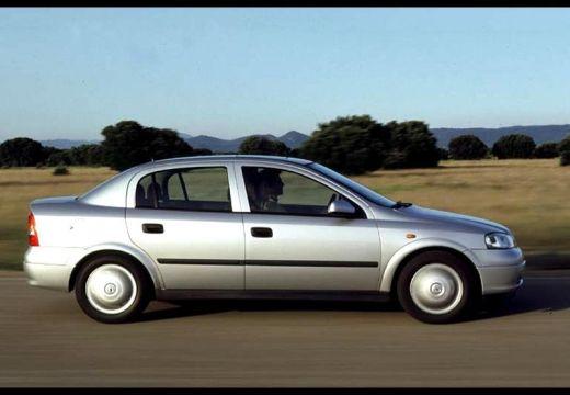 OPEL Astra II Classic sedan silver grey boczny lewy