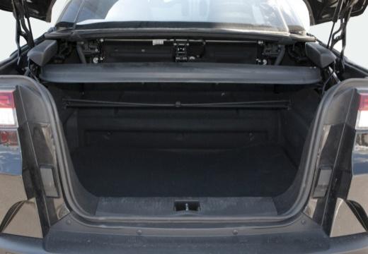 RENAULT Megane III CC kabriolet czarny przestrzeń załadunkowa