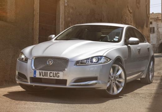 JAGUAR XF sedan silver grey przedni lewy