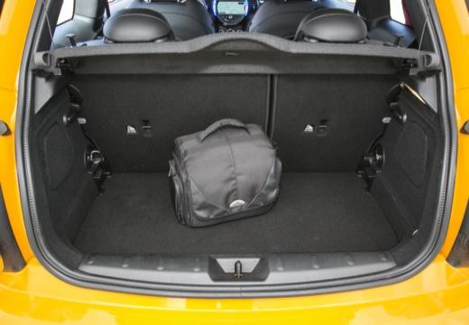 MINI [BMW] Mini MINI Cooper hatchback przestrzeń załadunkowa